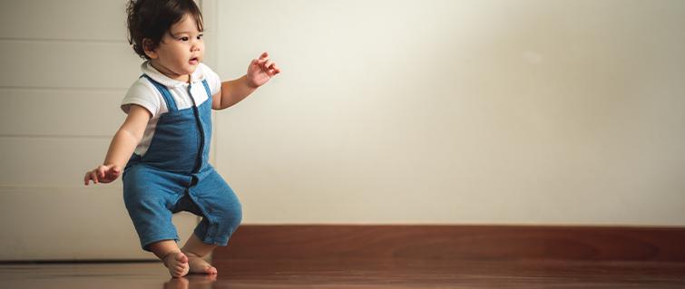 ¿Por qué los niños se caen con tanta frecuencia?