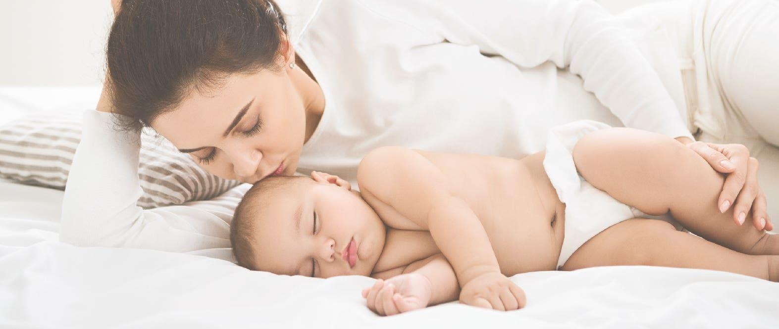 ¿Cómo hacer dormir a tu bebé cuando hace mucho calor?